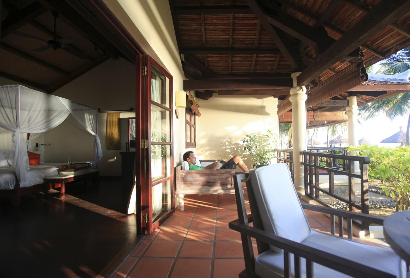 Beachfront Ana Mandara Suite's terrace