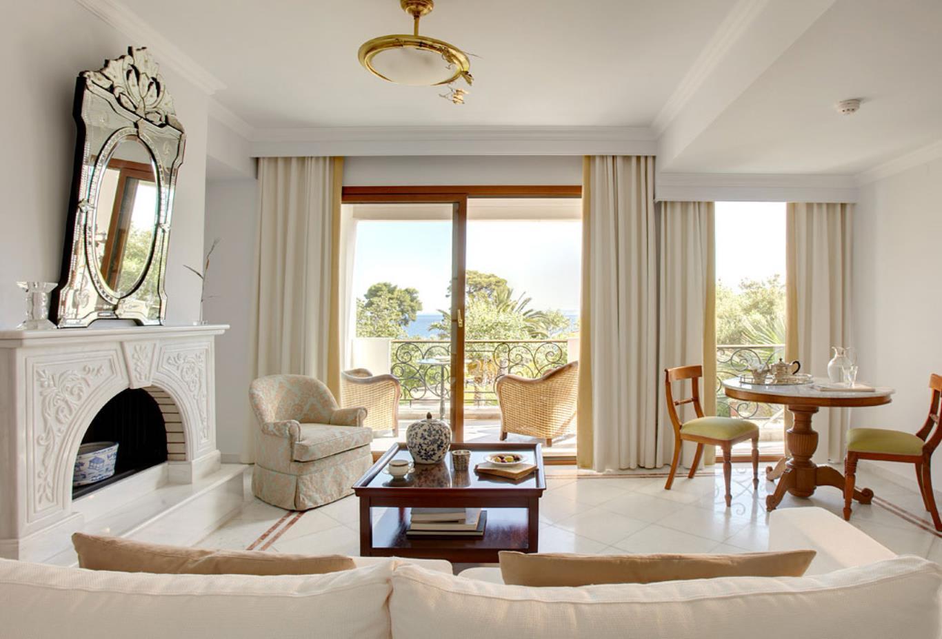 Danai suite living