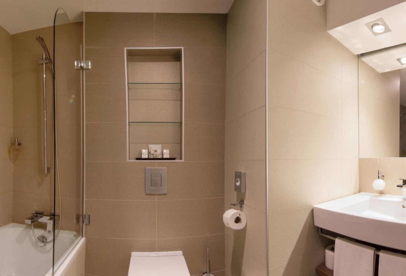 4-Star-Room-bathroom