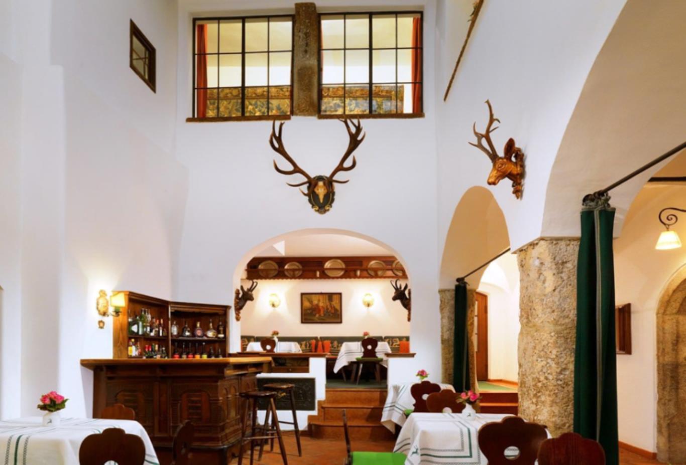 Bar-Goldener-Hirsch