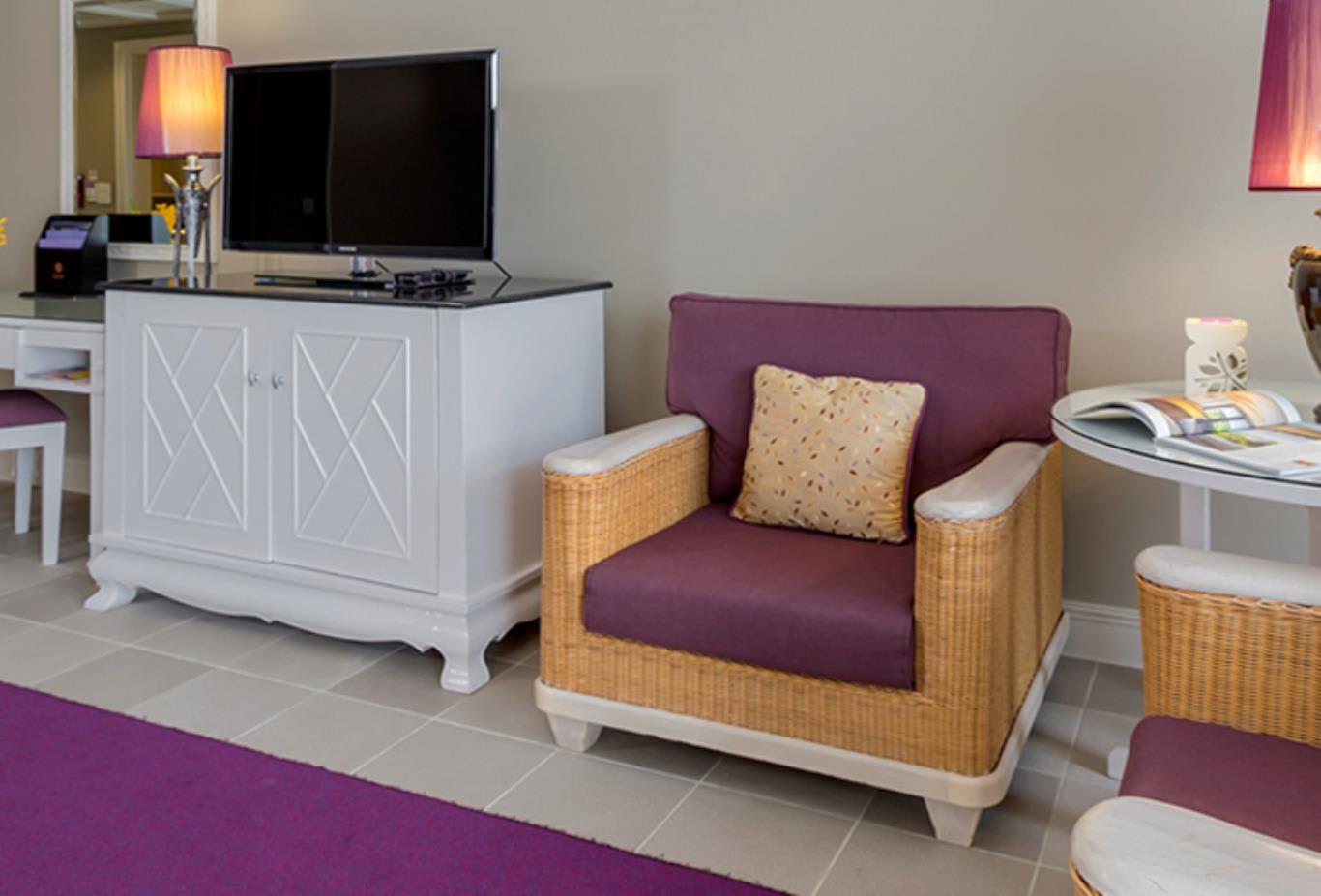 Laguna Room Facilities