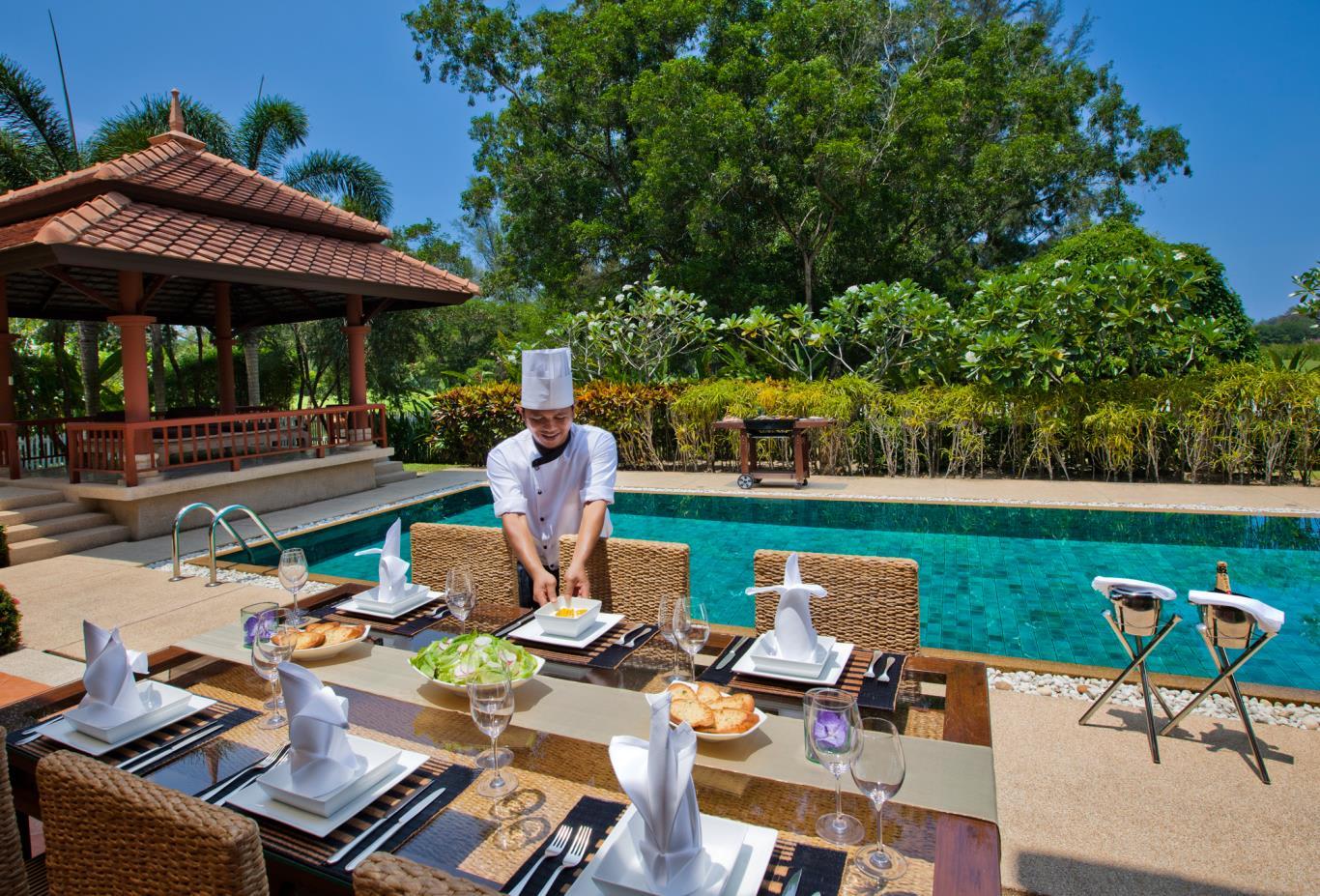 In Villa Dining