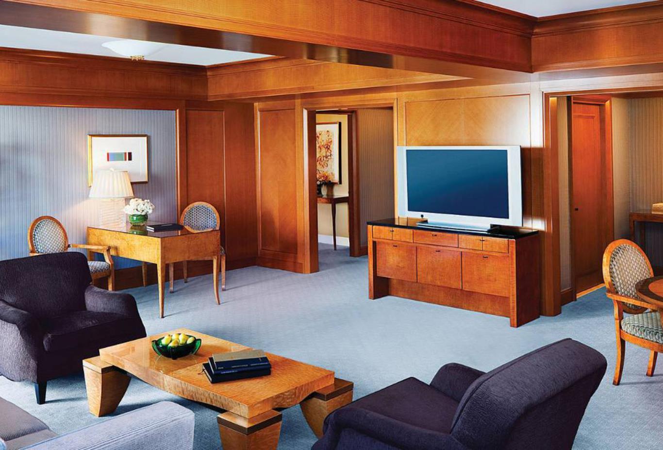 Premier One Bedroom Suite Living Room