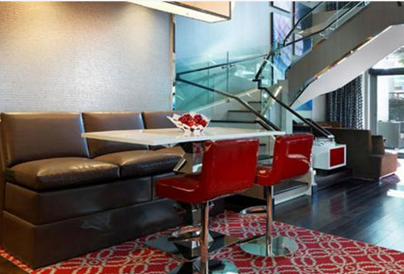 LanaiSuite-Lounge
