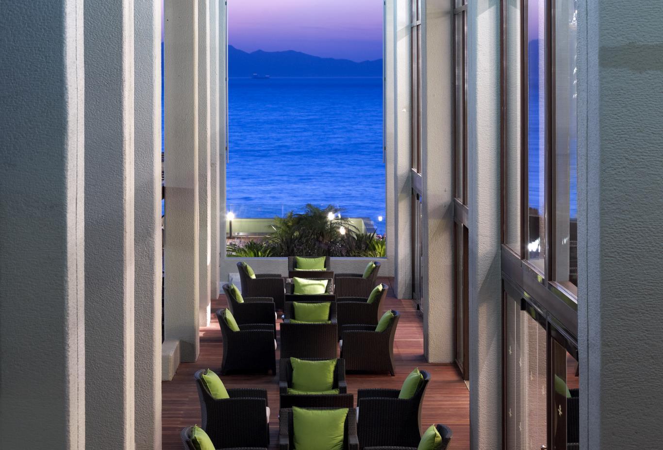 Exterior Lounge Bar Sunset