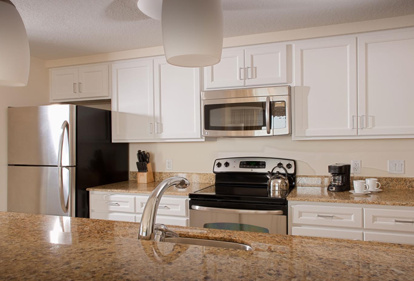 Deluxe Two Bedroom Suite Kitchen