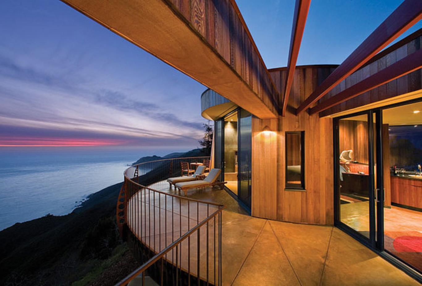 Pacific Suite balcony