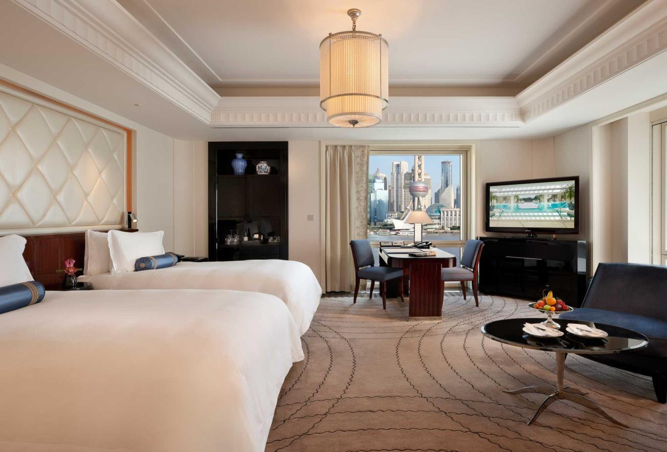 Grand-Deluxe-river-Room