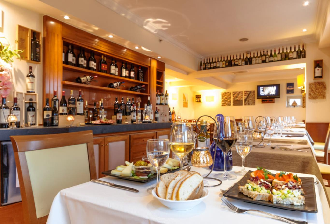 Vista-Wine-Bar-indoors