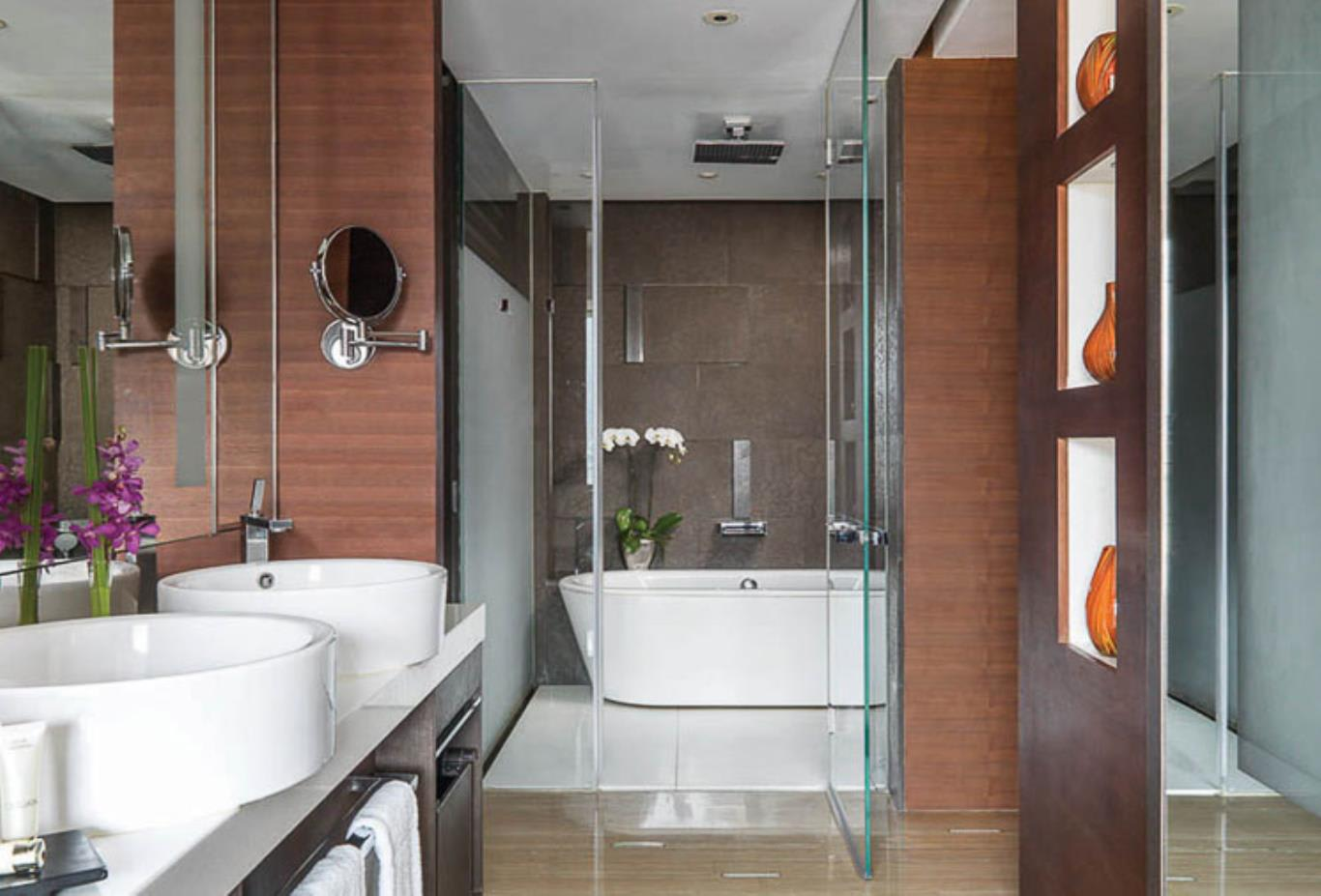 Superior, Deluxe & Executive Room bathroom