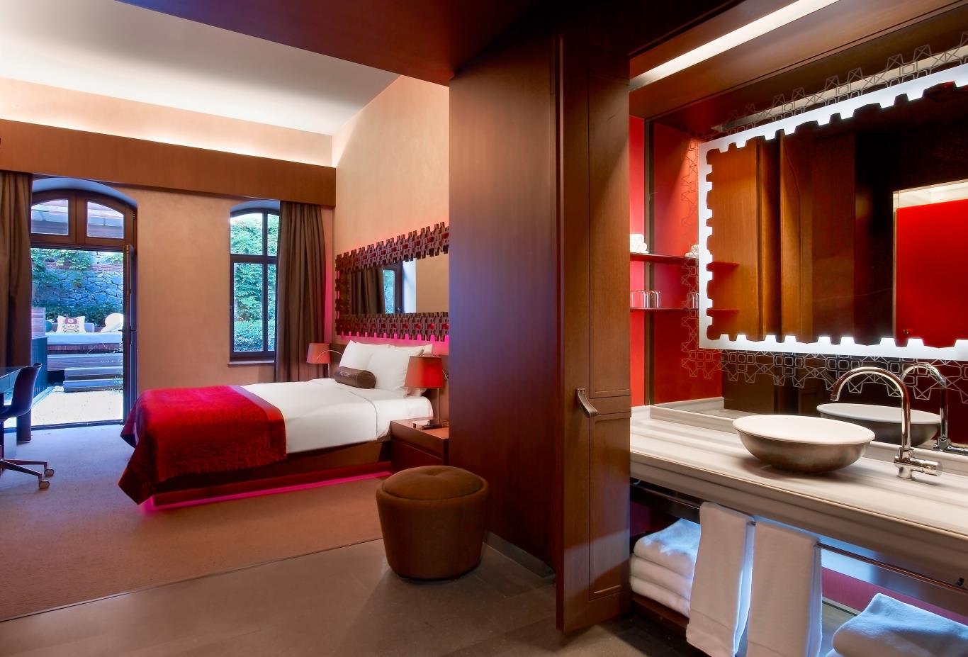 Marvelous Room