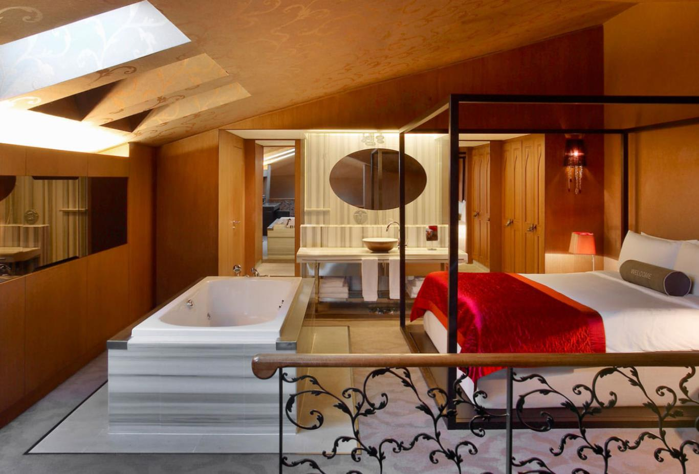 WOW Suite Bedroom