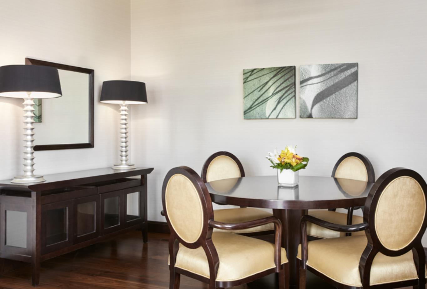 Family Executive Suite Dining Room