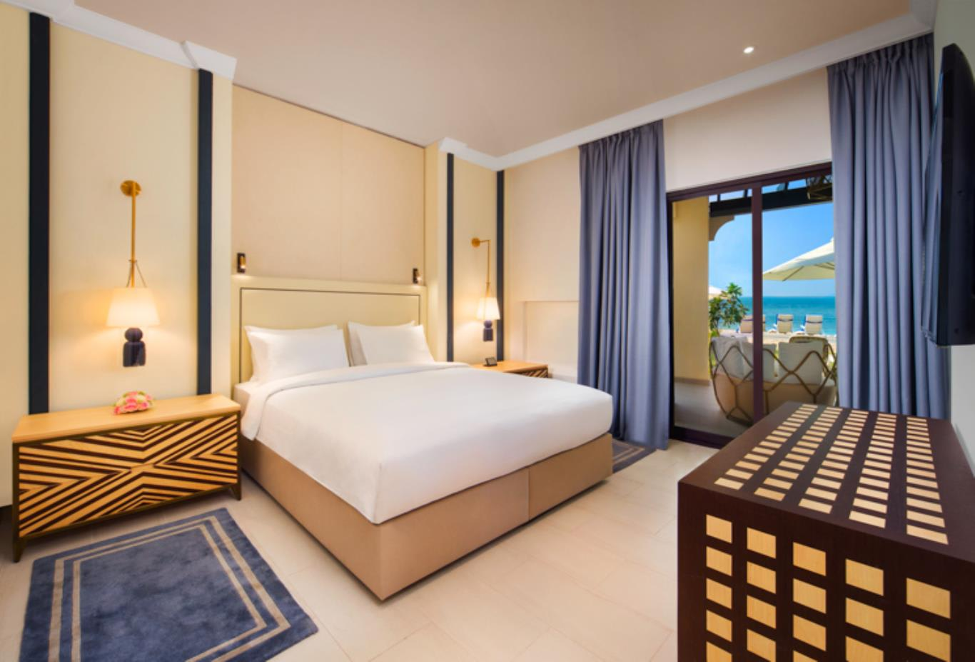 Junior Suite Villa with Beach Access Bedroom