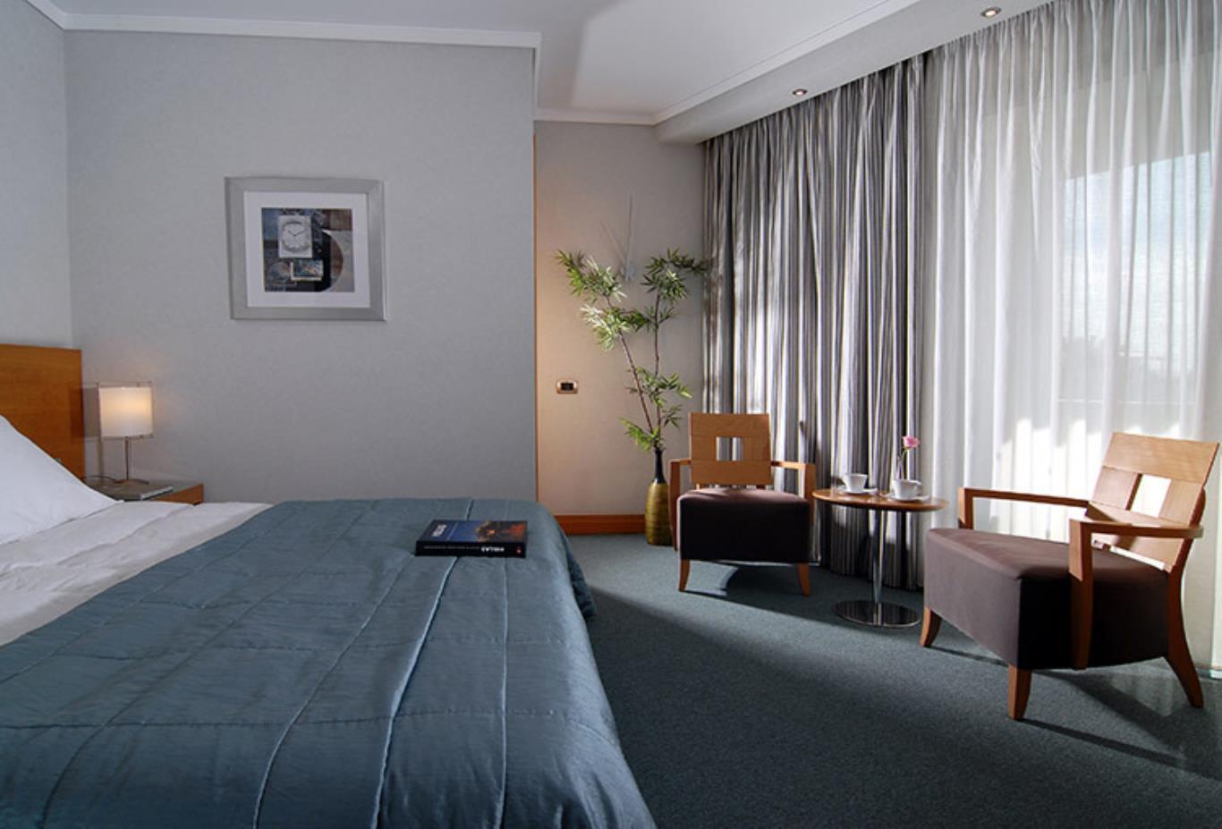 Standard-Room-bed