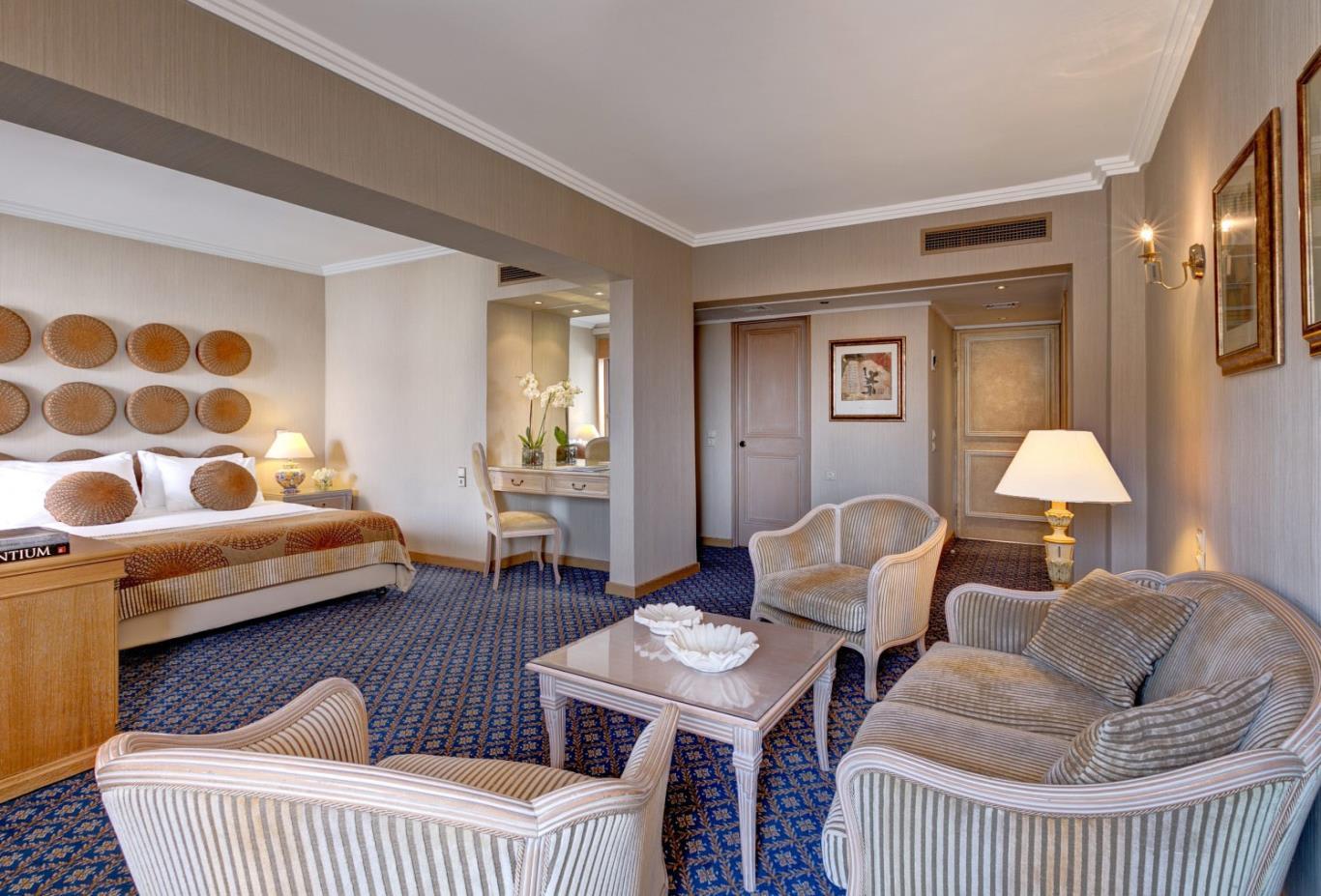 Junior-Suite-sitting-area