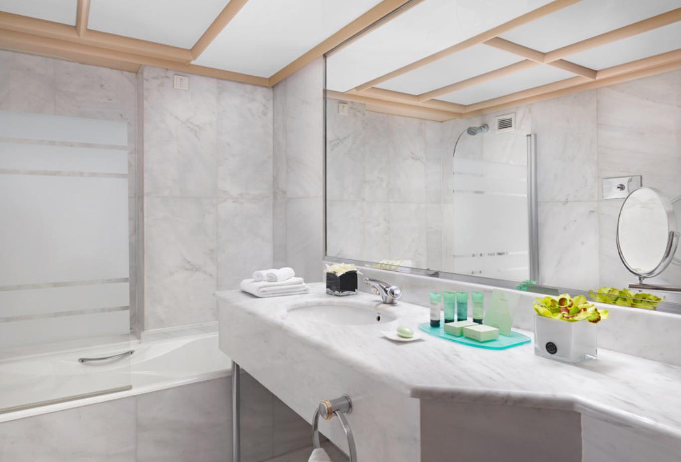 Classic-Room-bathroom