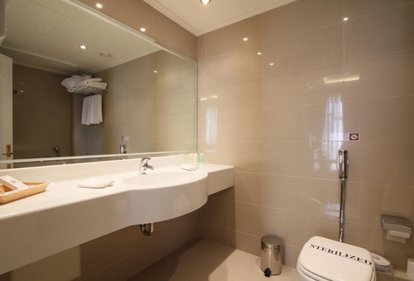 Superior-Bath