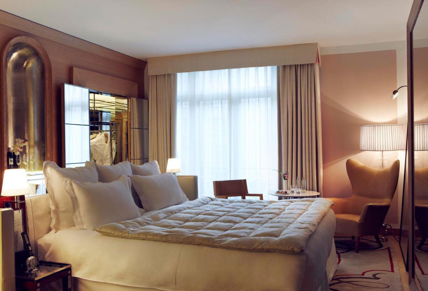 Rooms-Deluxe-Room