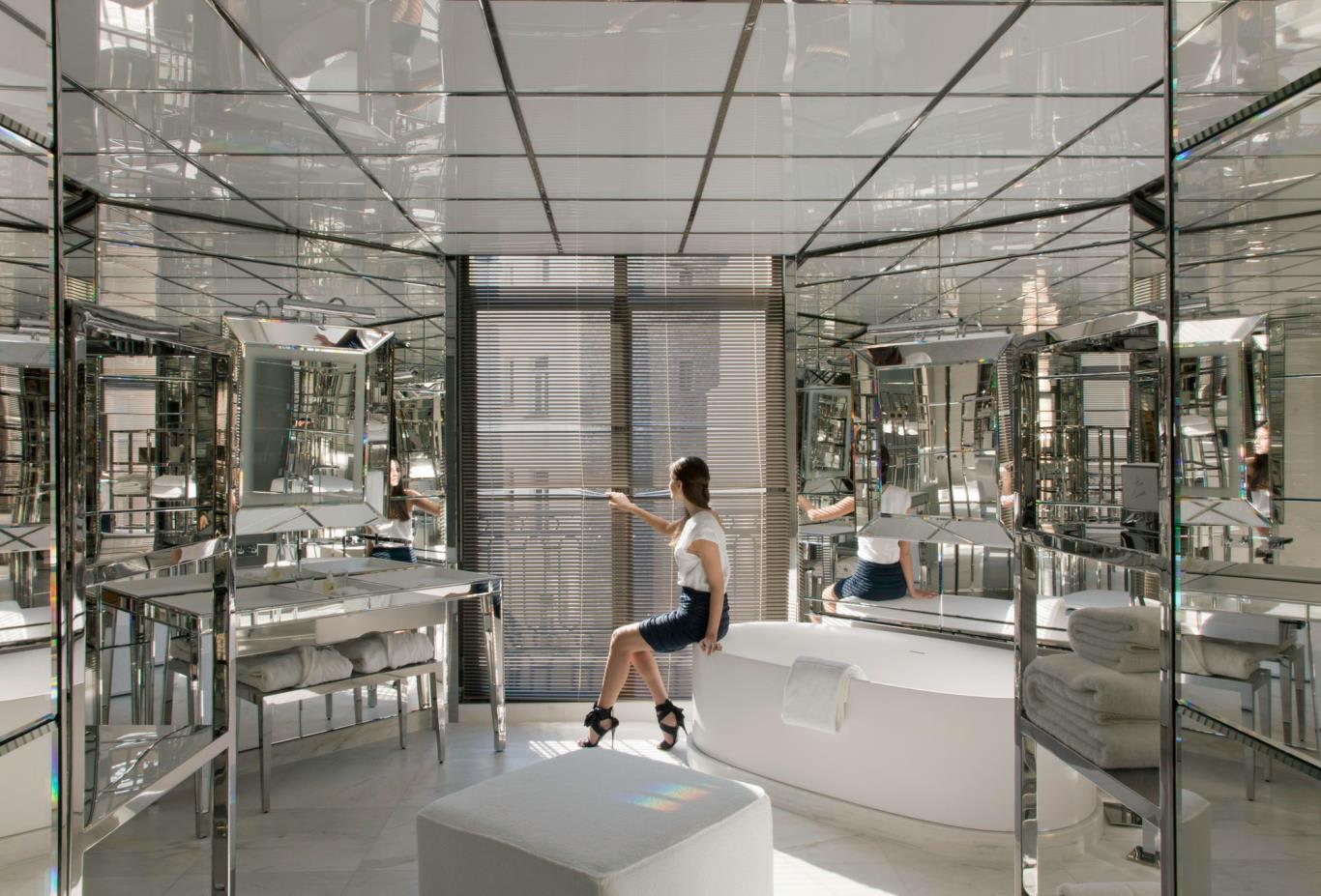 Rooms-Suite-bathrooms-mirrors