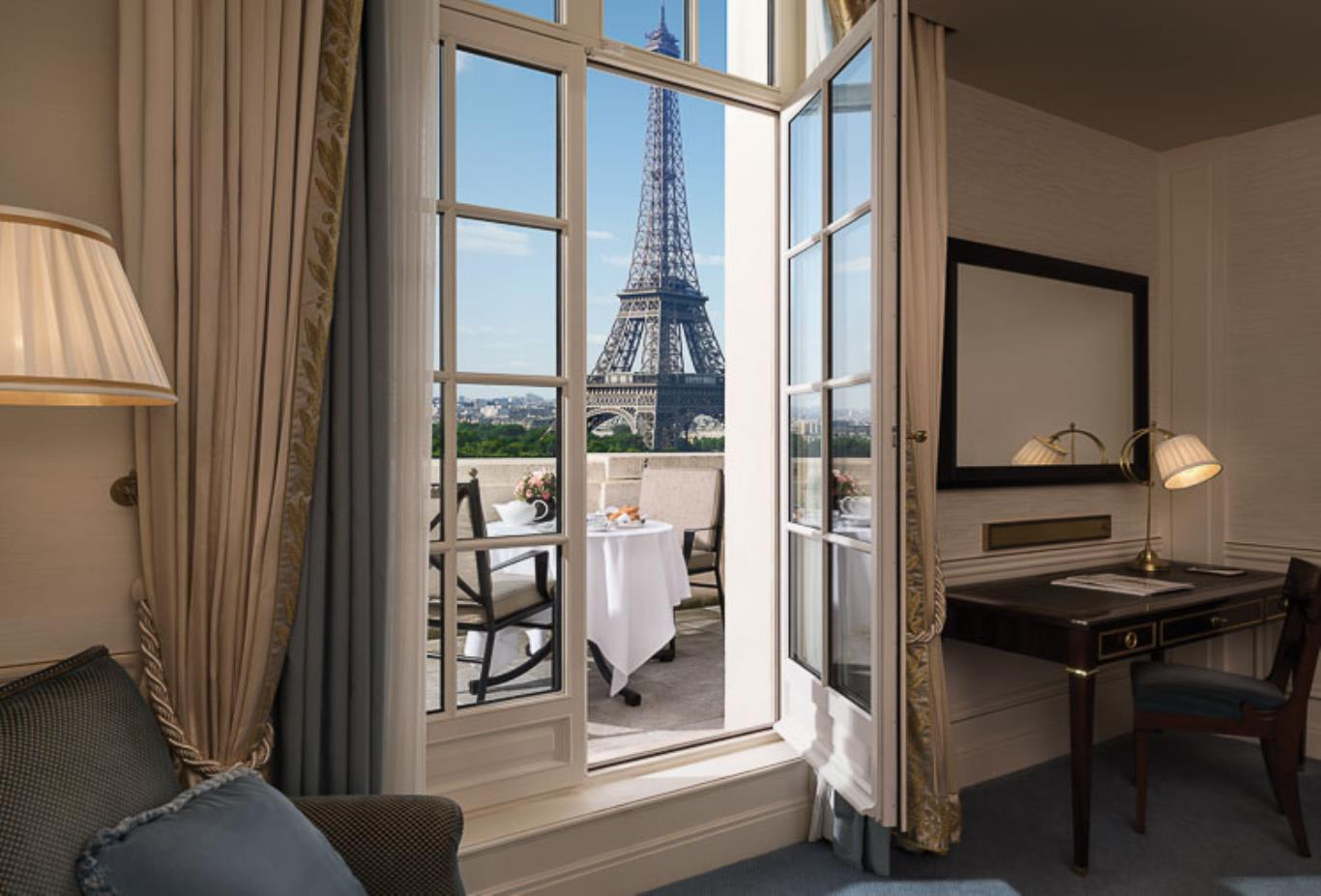 Terrace Eiffel Tower View Room