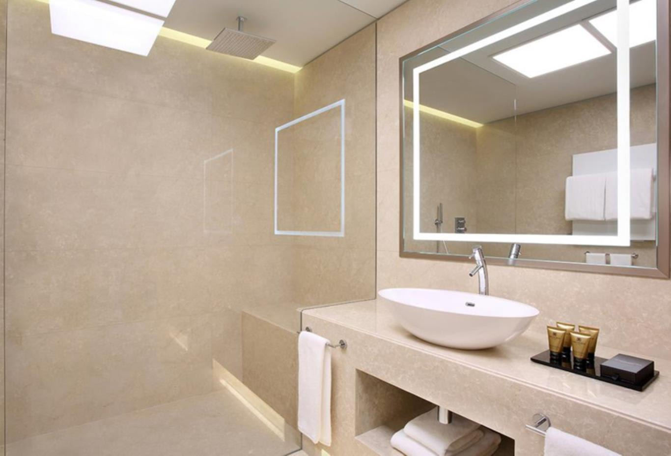 King Double Room bathroom