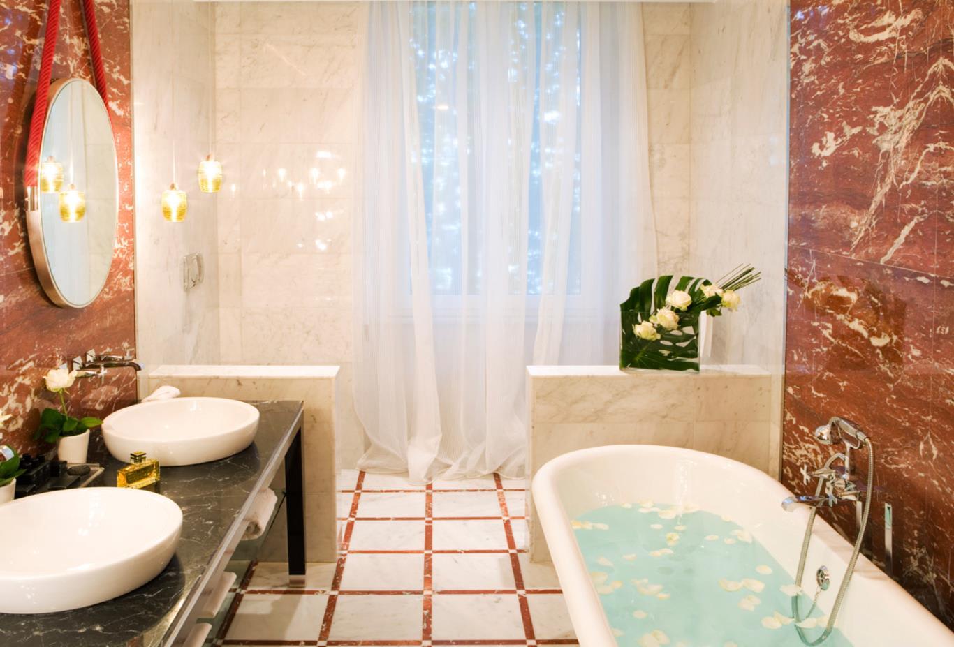Suite-Regina-bathroom