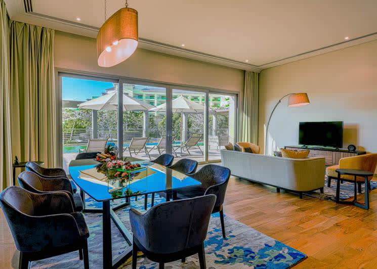 4 Bedroom pool suite dining