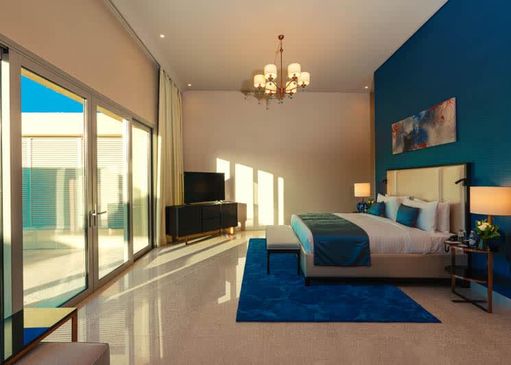 4 bedroom pool suite master bedroom