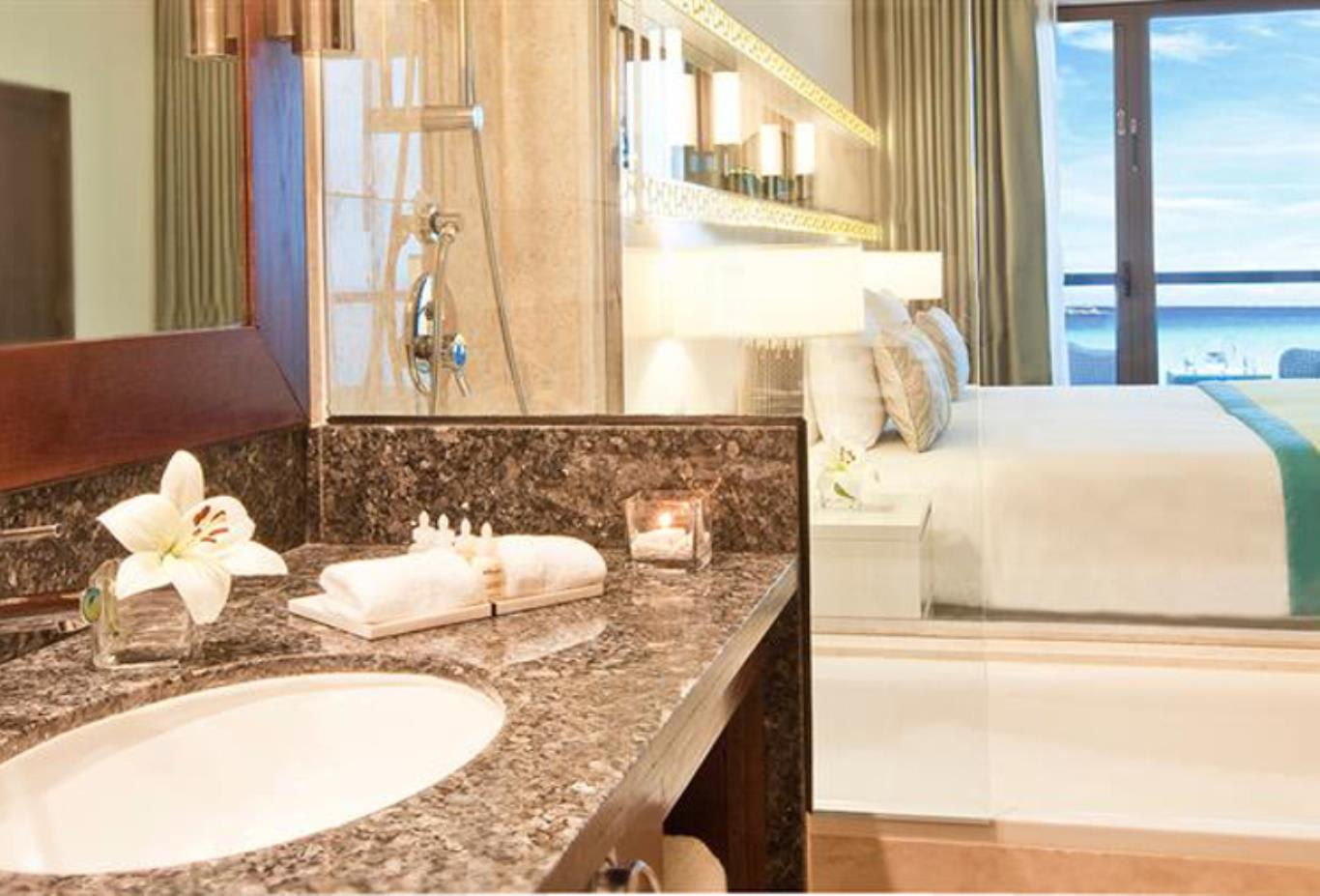 Superior sea view room bathroom