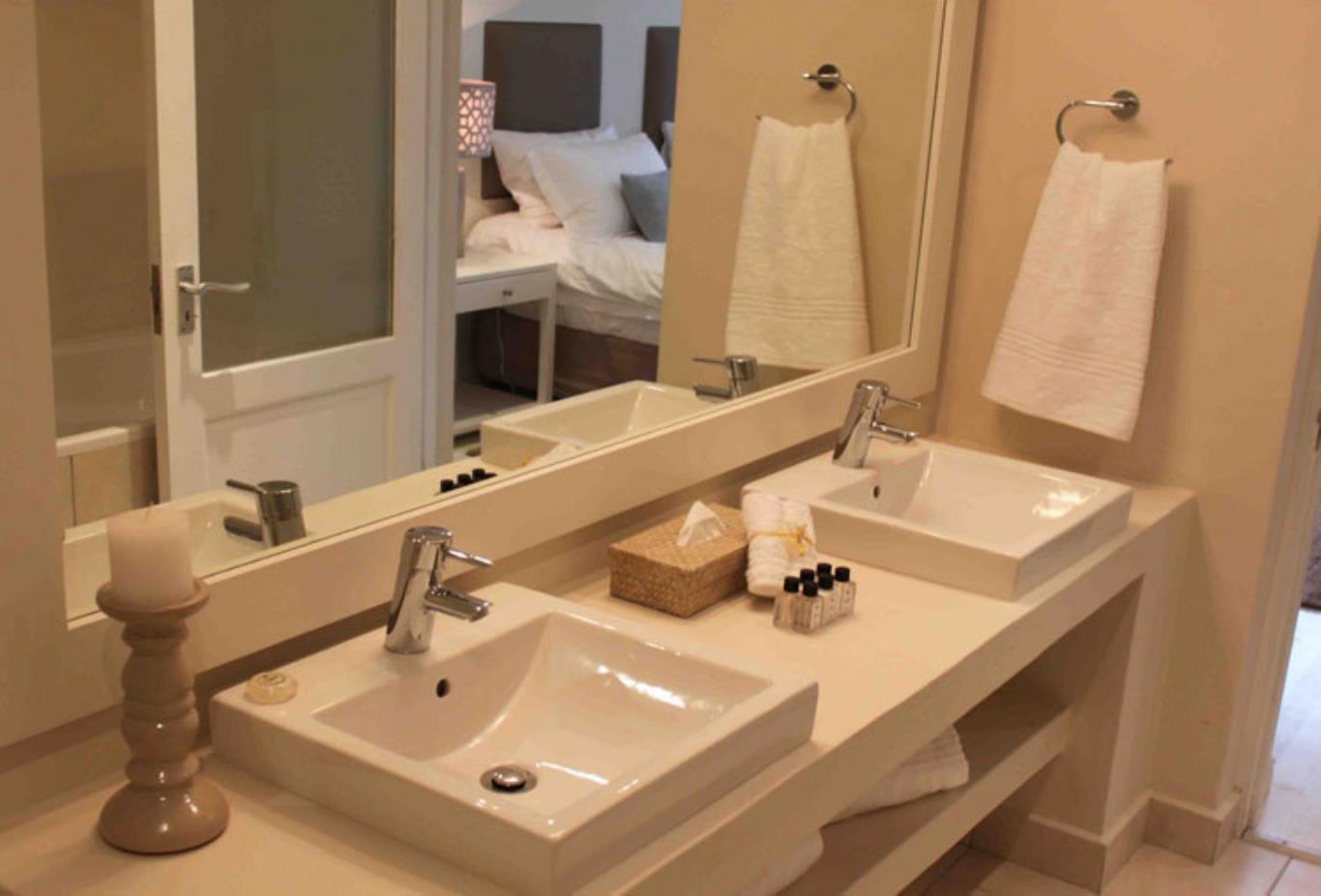 Cordovan-Villa-bathroom