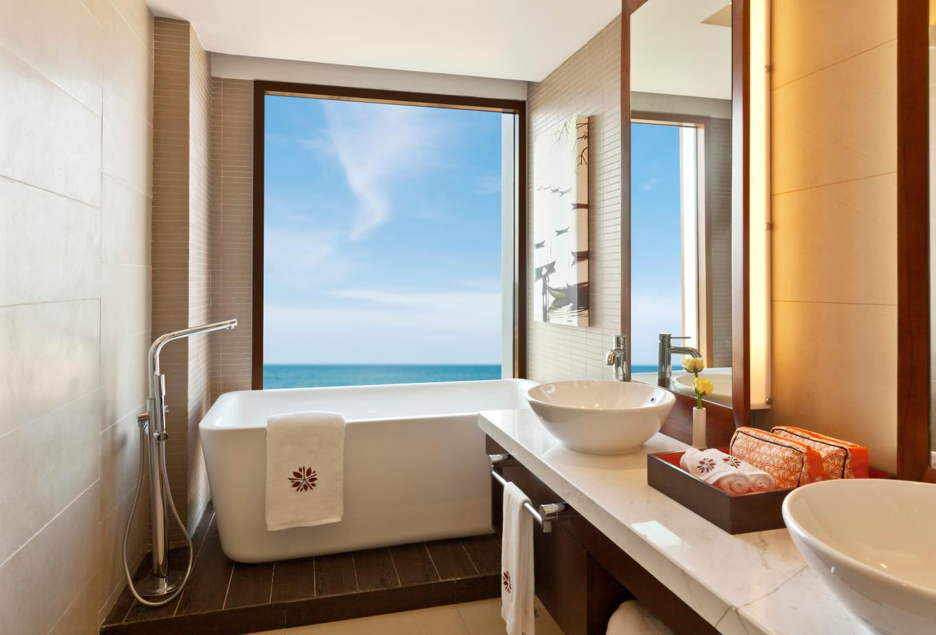 SkyPool Seaview Two Bedroom-Loft-bathroom