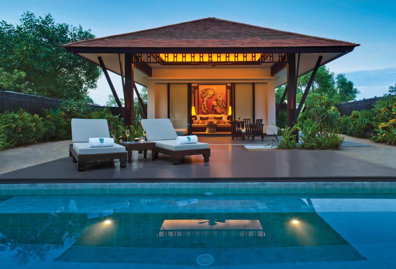 Lagoon Pool Villa Exterior