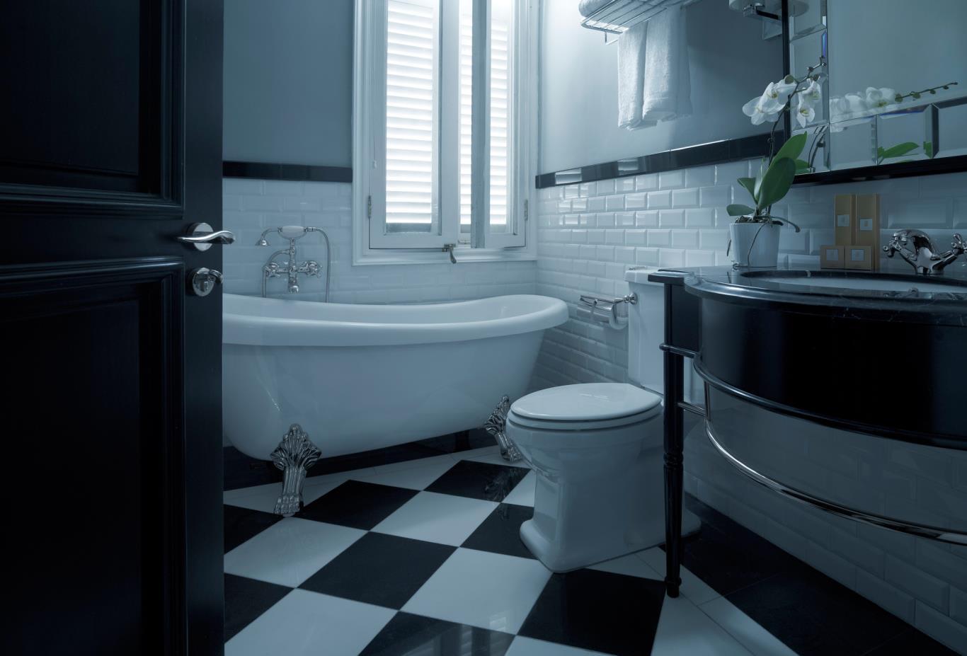 MajesticWingSuite-Bathroom