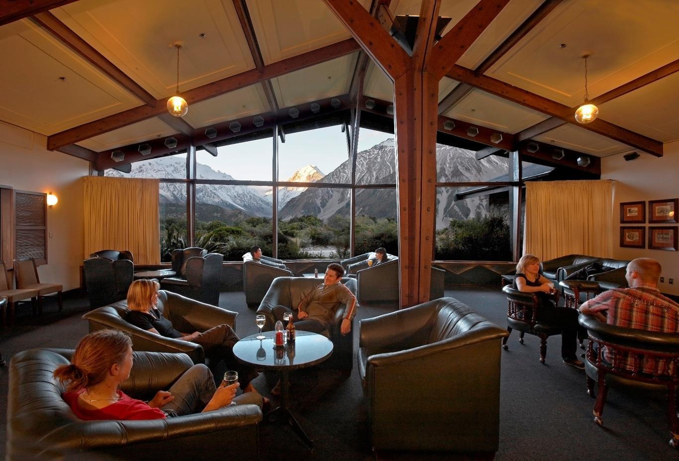 The Snowline Lounge