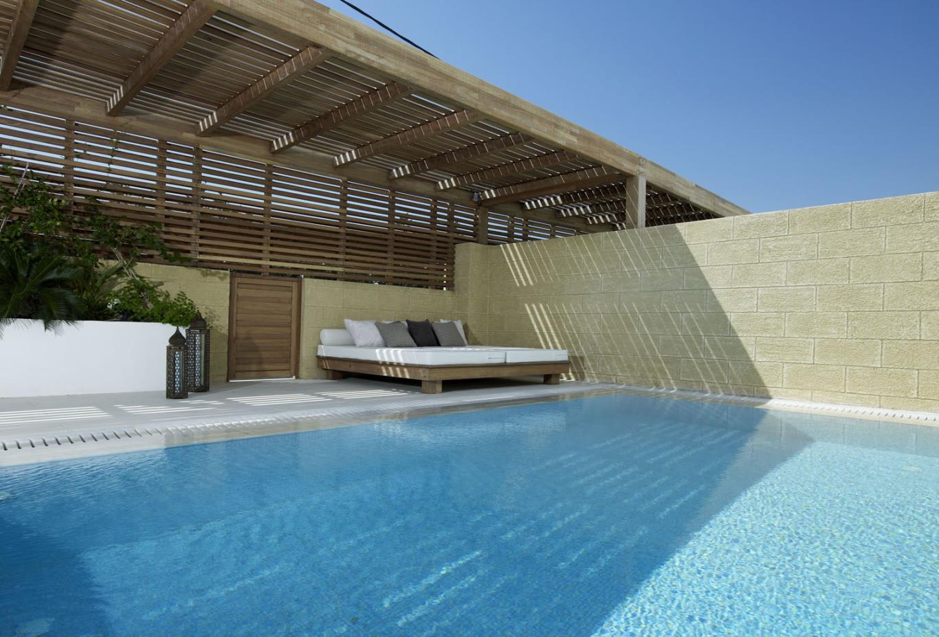 Ottoman-Gardens-Pool-Suite