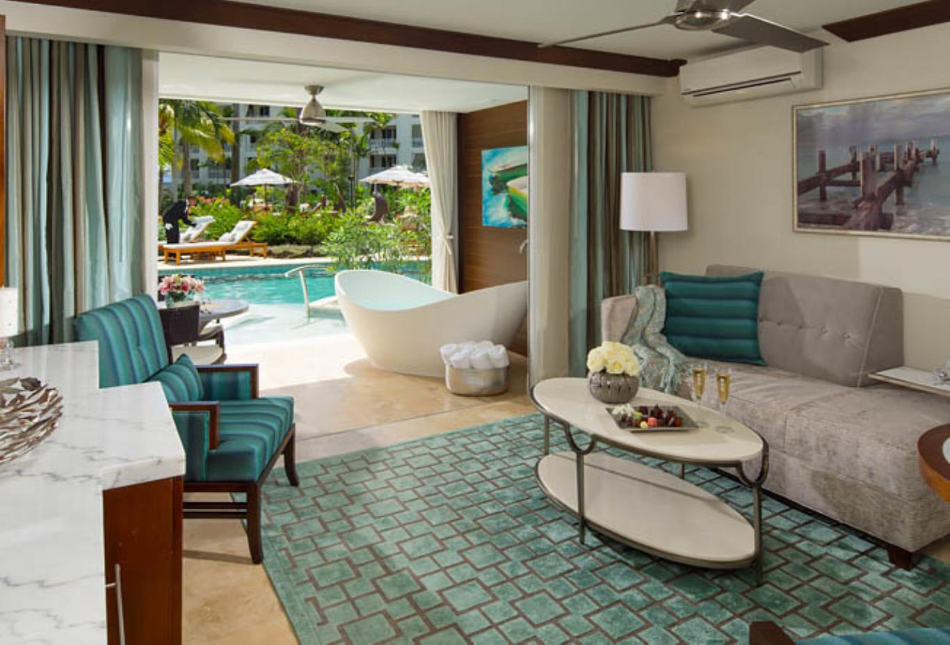 Crystal Lagoon Swim-Up One Bedroom Butler Suite with Balcony Tranquility Soaking Tub