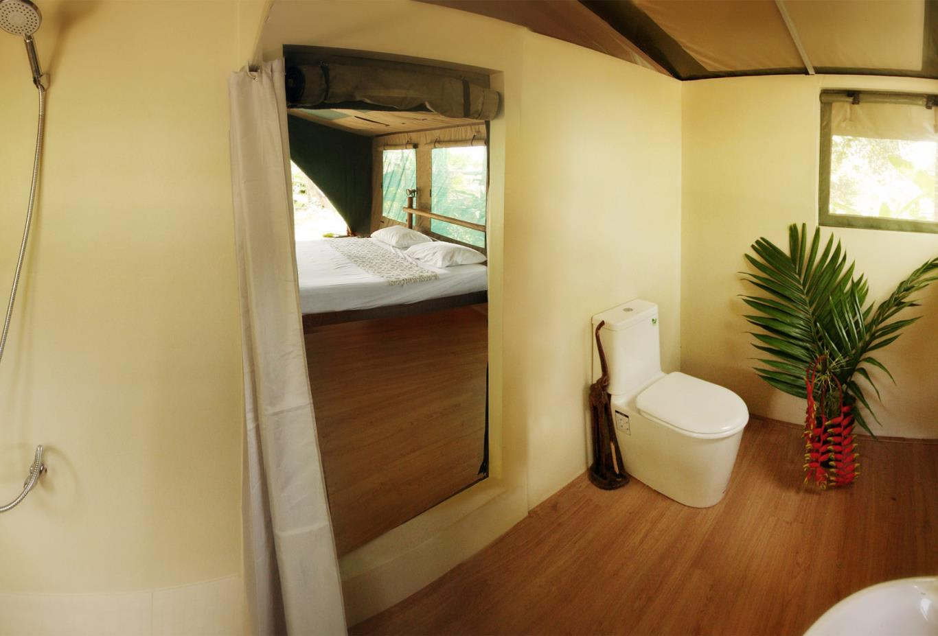 Camp-bathroom