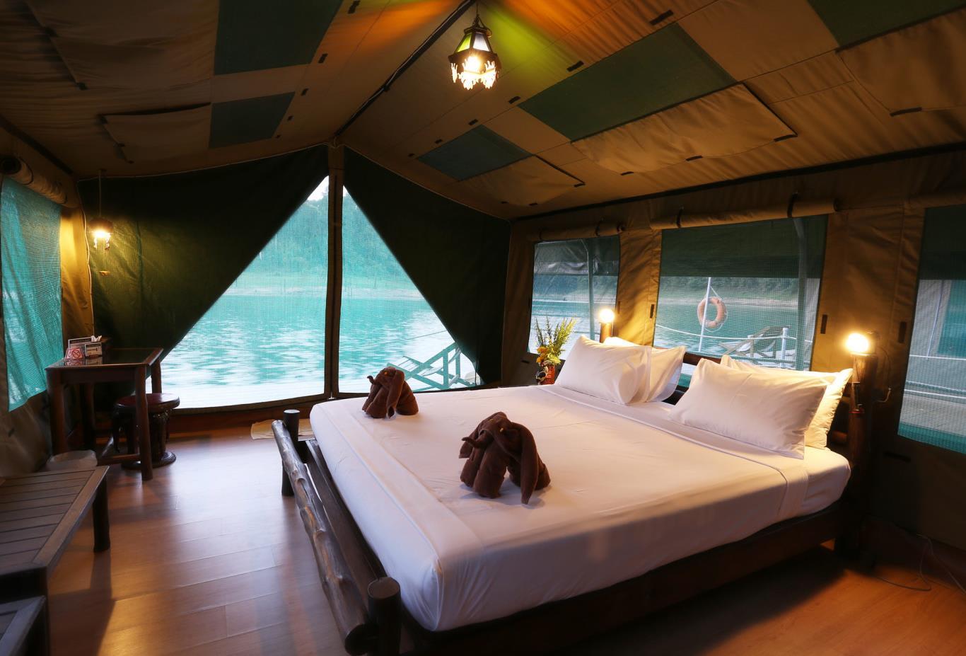 Rainforest-Camp-bedroom