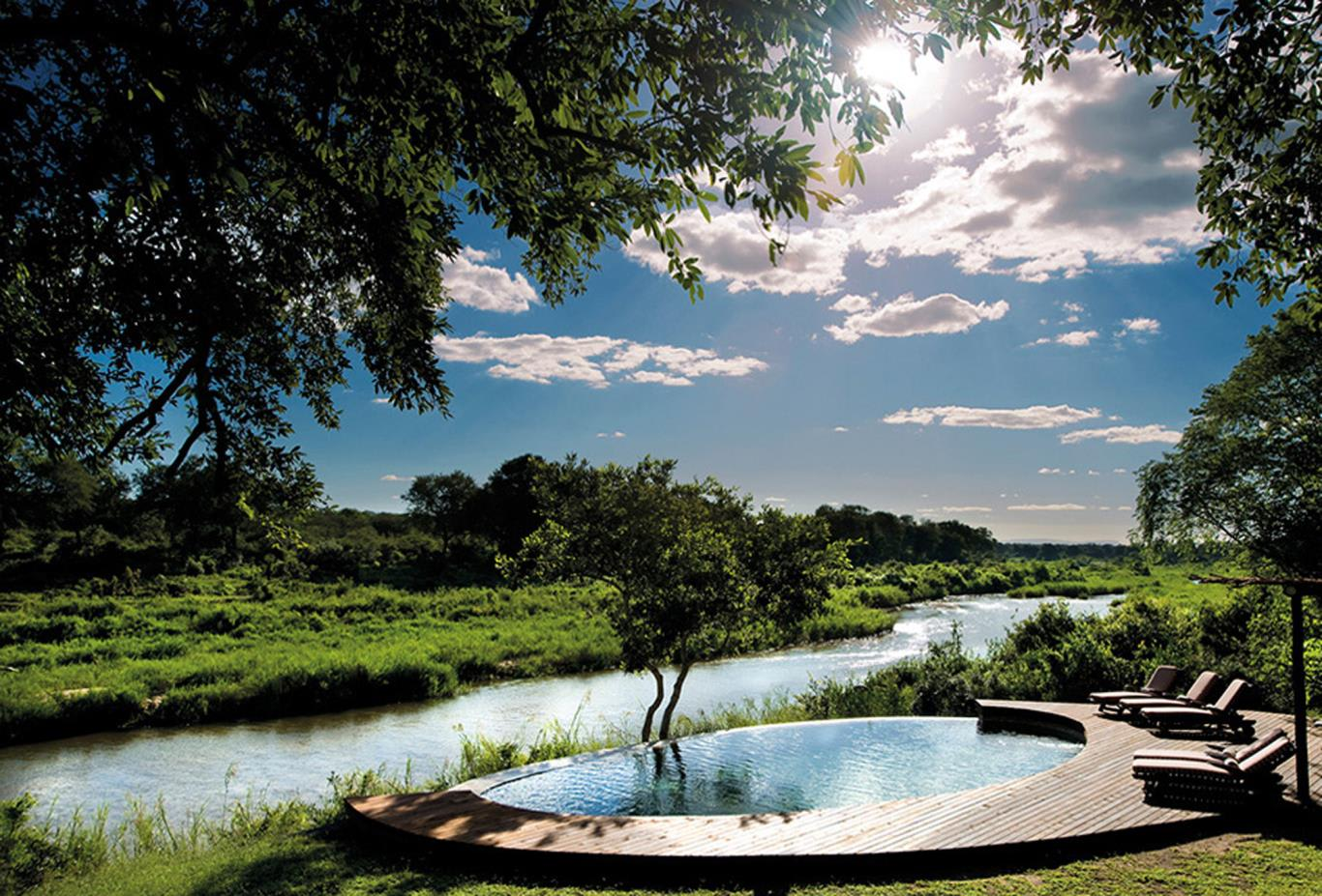 Plunge-pool-overlooking-river