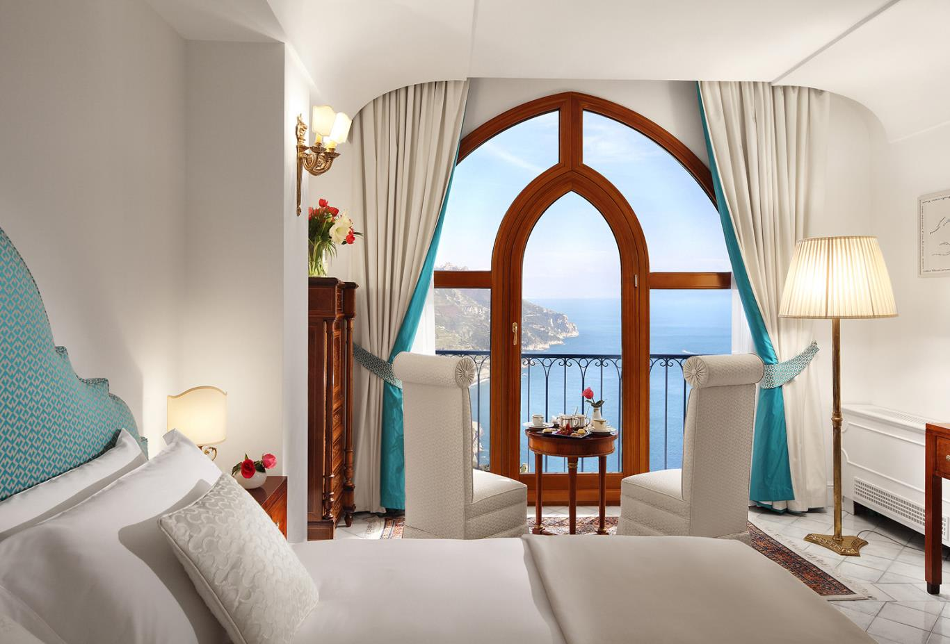Queen Double Room Lateral Sea View