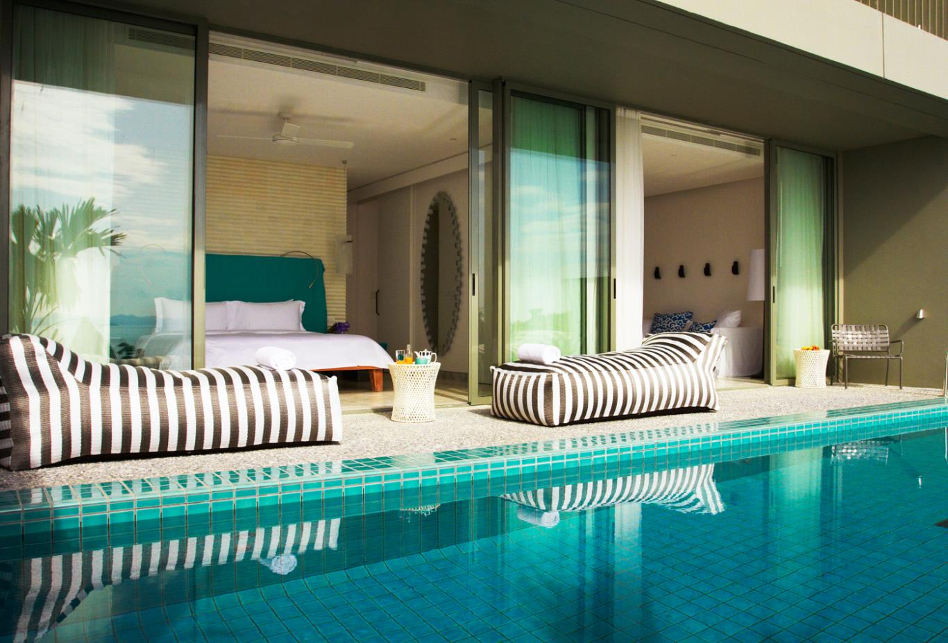 Bay Pool Suite
