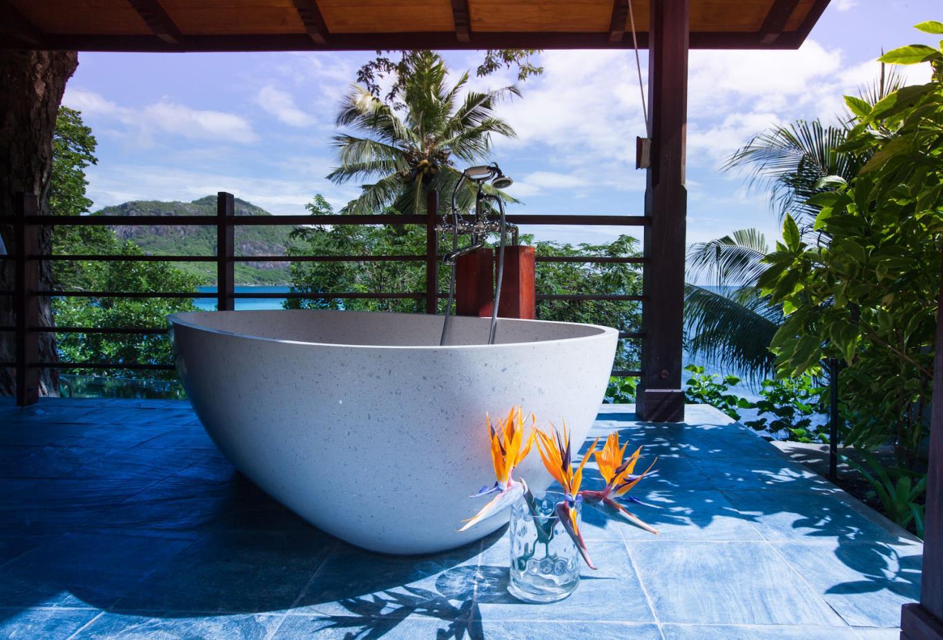 Private Pool Villa tub