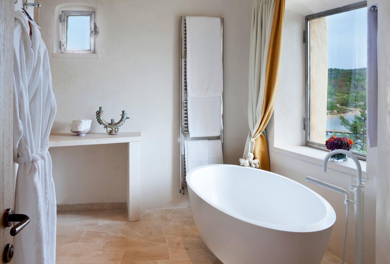 Premium-Suite-Bathroom