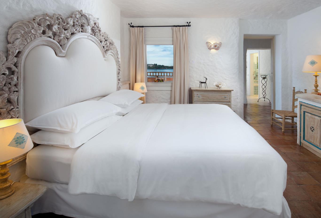 Deluxe Suite Bedroom
