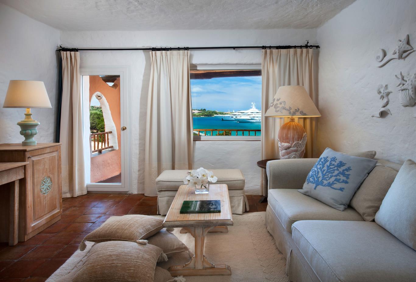 Deluxe-Suite-Sea-View