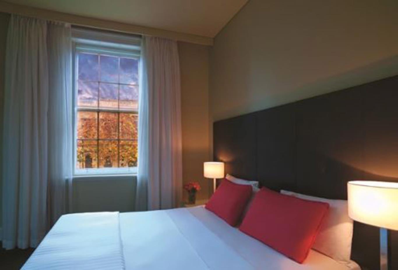 Premier 1 Bedroom Apartment bedroom