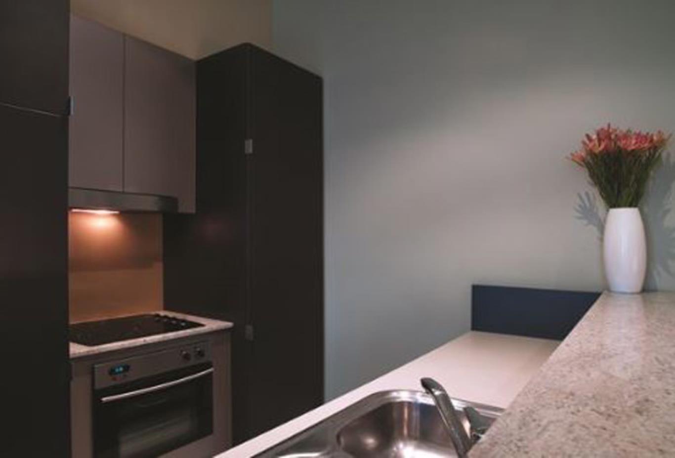 Premier 1 bedroom kitchen
