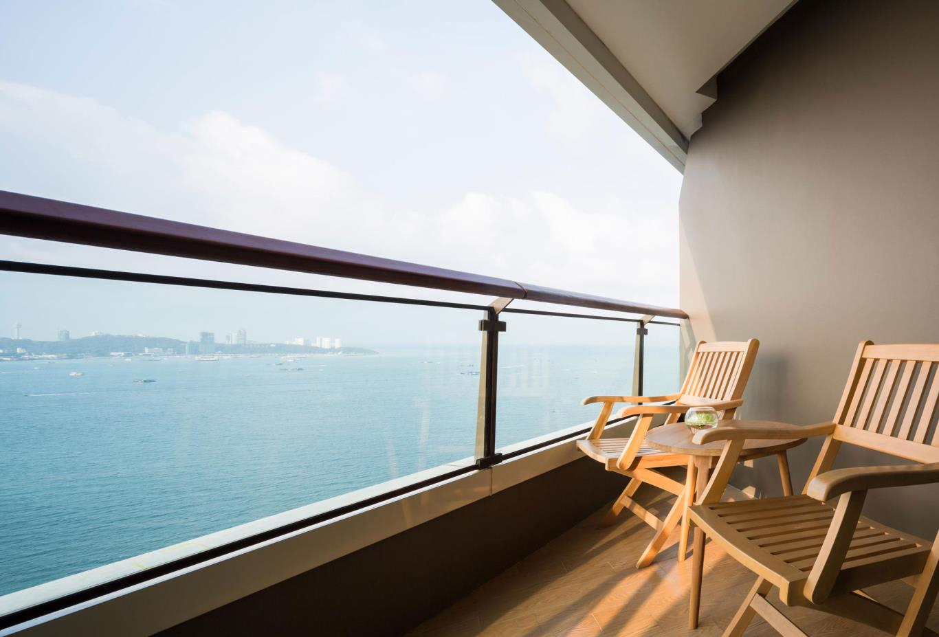 Deluxe-Room-balcony