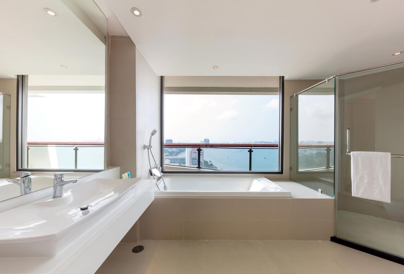 Deluxe-Terrace-Room-bath